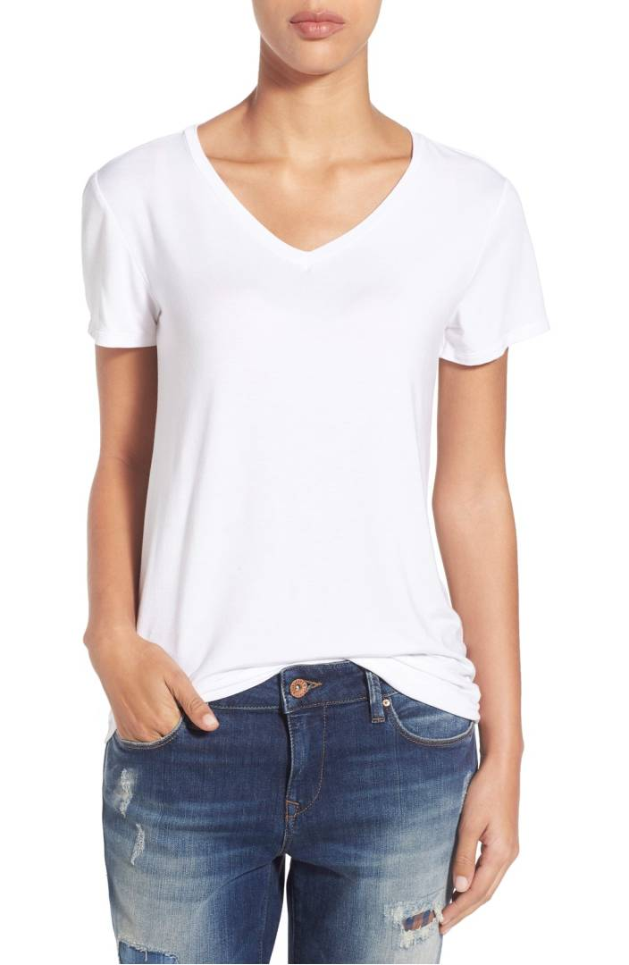 ebb9d469 15 of the Most Comfy Women's T-Shirts | Comfort Nerd