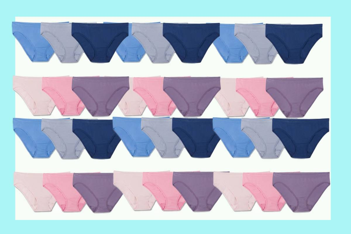 Repeating pattern of pink and blue shades of the most comfortable seamless underwear for women.